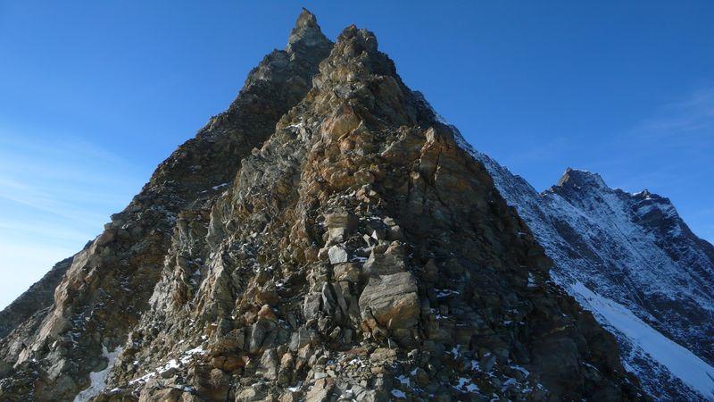 Inicio de la cresta visto desde el Mischabeljochbiwak