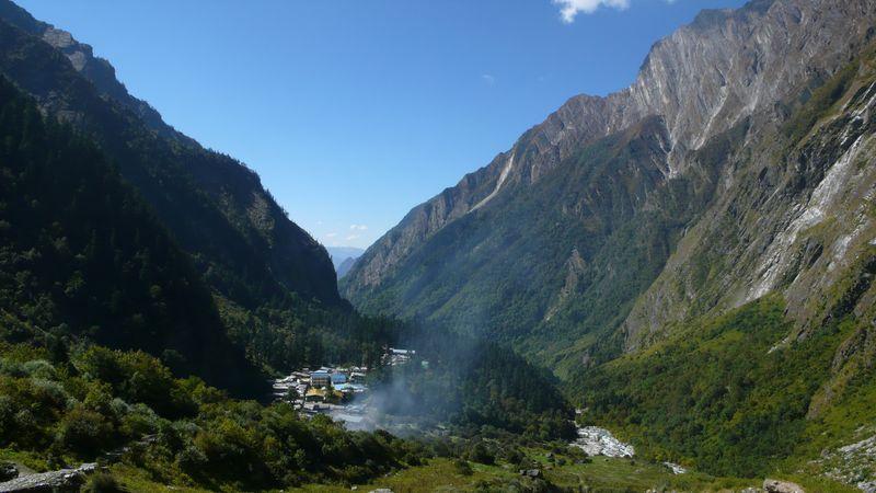 Vista del valle Bhuinder y de Ghangaria 3050m