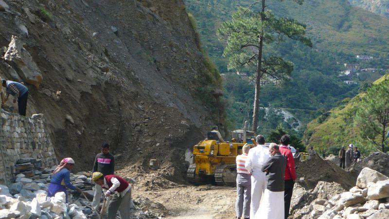 Desprendimiento en el trayecto Joshimath - Chamoli_1