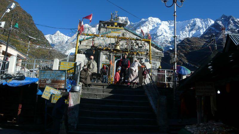 En el templo de Kedarnath