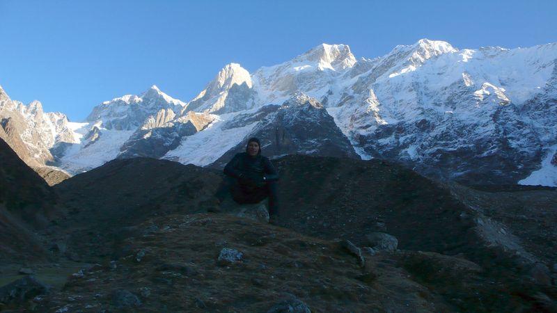 En el lago Gandhi Sarober 3750m con el Kedar Dome a mis espaldas_1