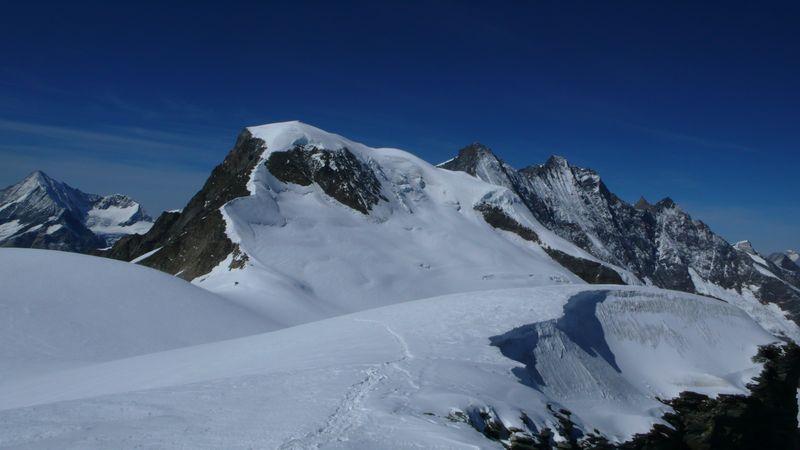 Vista del Alphubel y del macizo de Mischabel desde el Alphubeljoch 3722m