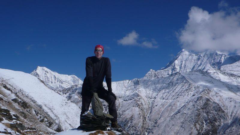 Entre Trisul 7145m y Chaukhamba en el sendero hacia Baugubasa 4700m