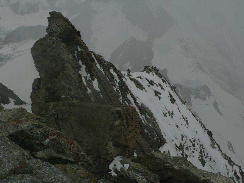 Bajando de la cima del Zinalrothorn