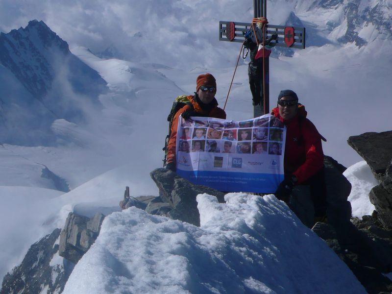Con Emilio López (Presidente de la Fundación Sanfilippo) en la cima del Dom 4545m_6
