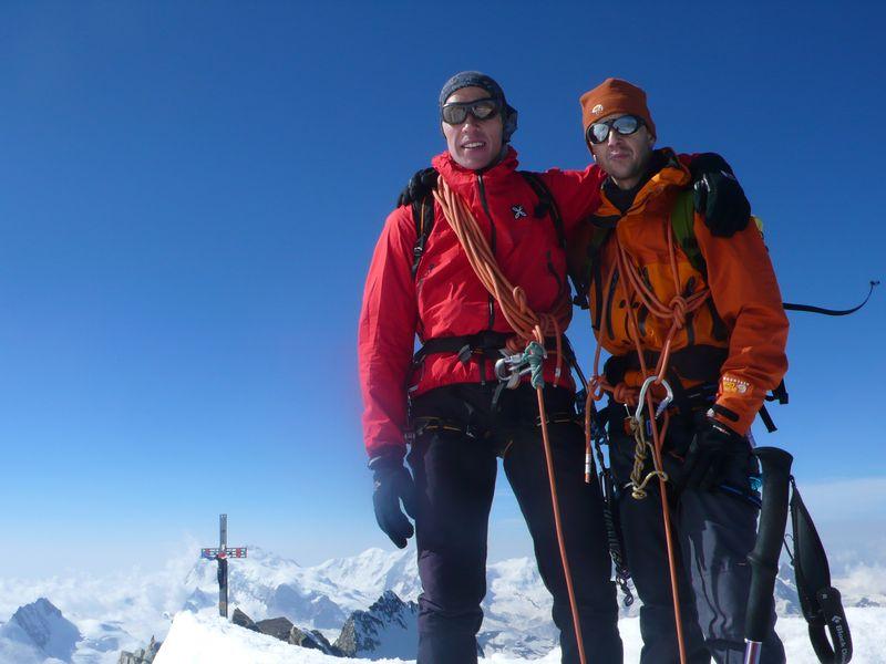 Con Emilio López (Presidente de la Fundación Sanfilippo) en la cima del Dom 4545m_7