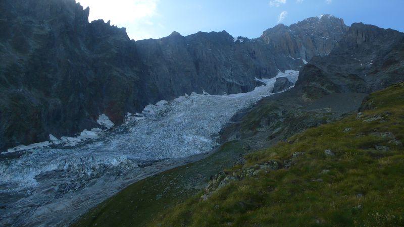 Glaciar del Brouillard, Aiguilles Rouges du Brouillard, Pico Luigi Amedeo 4469m y Mont Blanc de Courmayeur
