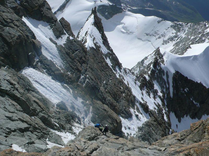 Bajando de la cima del Zinalrothorn 4221m_1