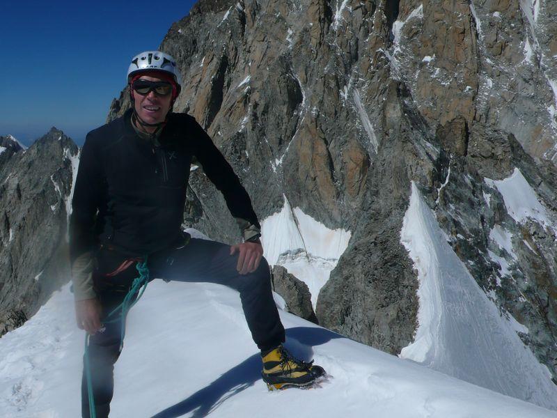 En la cima de la Aiguille Blanche de Peuterey 4114m