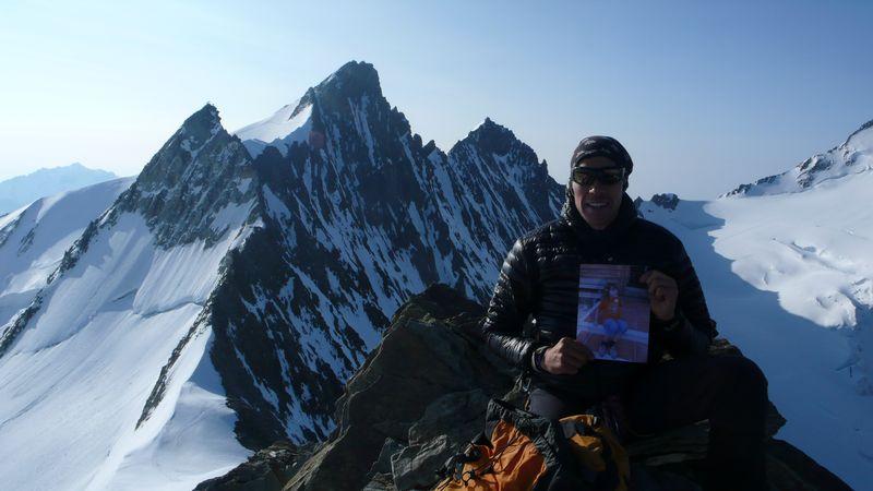 En la cima del Hobärghorn 4219m con Joana