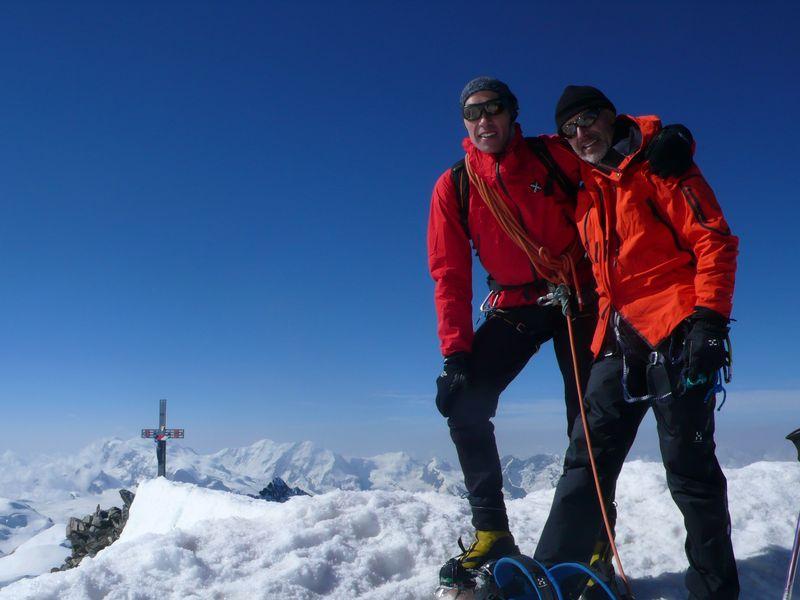 Con Javier Campos en la cima del Dom 4505m