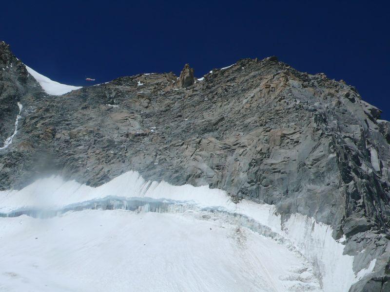 Col de Peuterey y Grand Pillier d'Angle 4243m