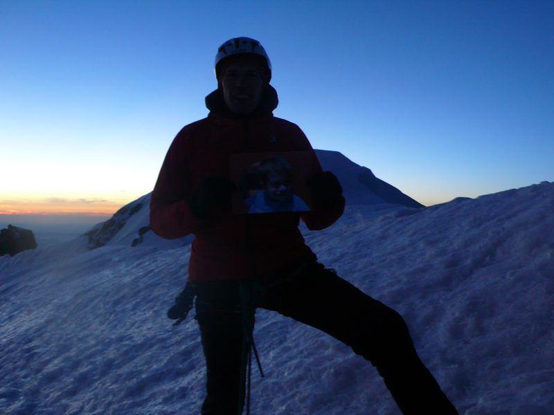 En la cima del Mont Blanc de Courmayeur 4765m con Reed