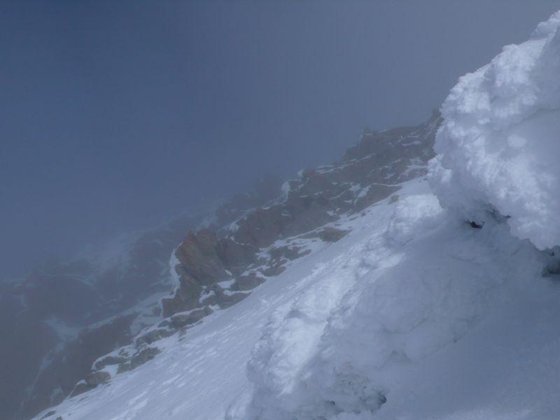 Vista de la cima del Schrechorn iniciando el descenso