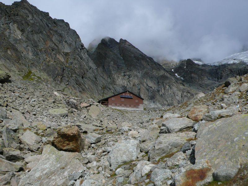 Schreckhornhütte 2530m