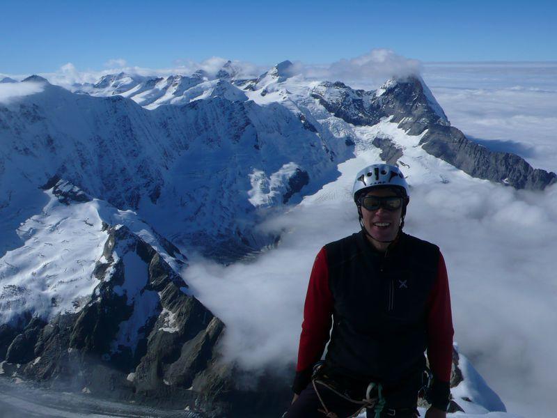En la cima del Schreckhorn con el Eiger a mis espaldas