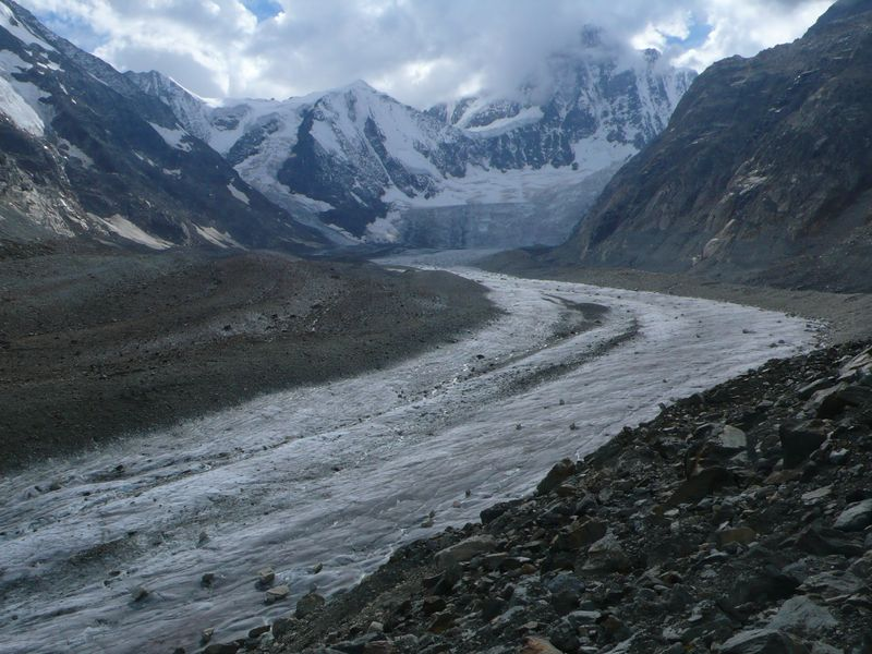 Glaciar del Finsteraarhorn