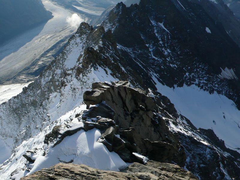 Vista del collado a 3900 metros desde la cresta